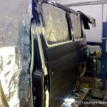 Karosseriearbeiten an einem Van
